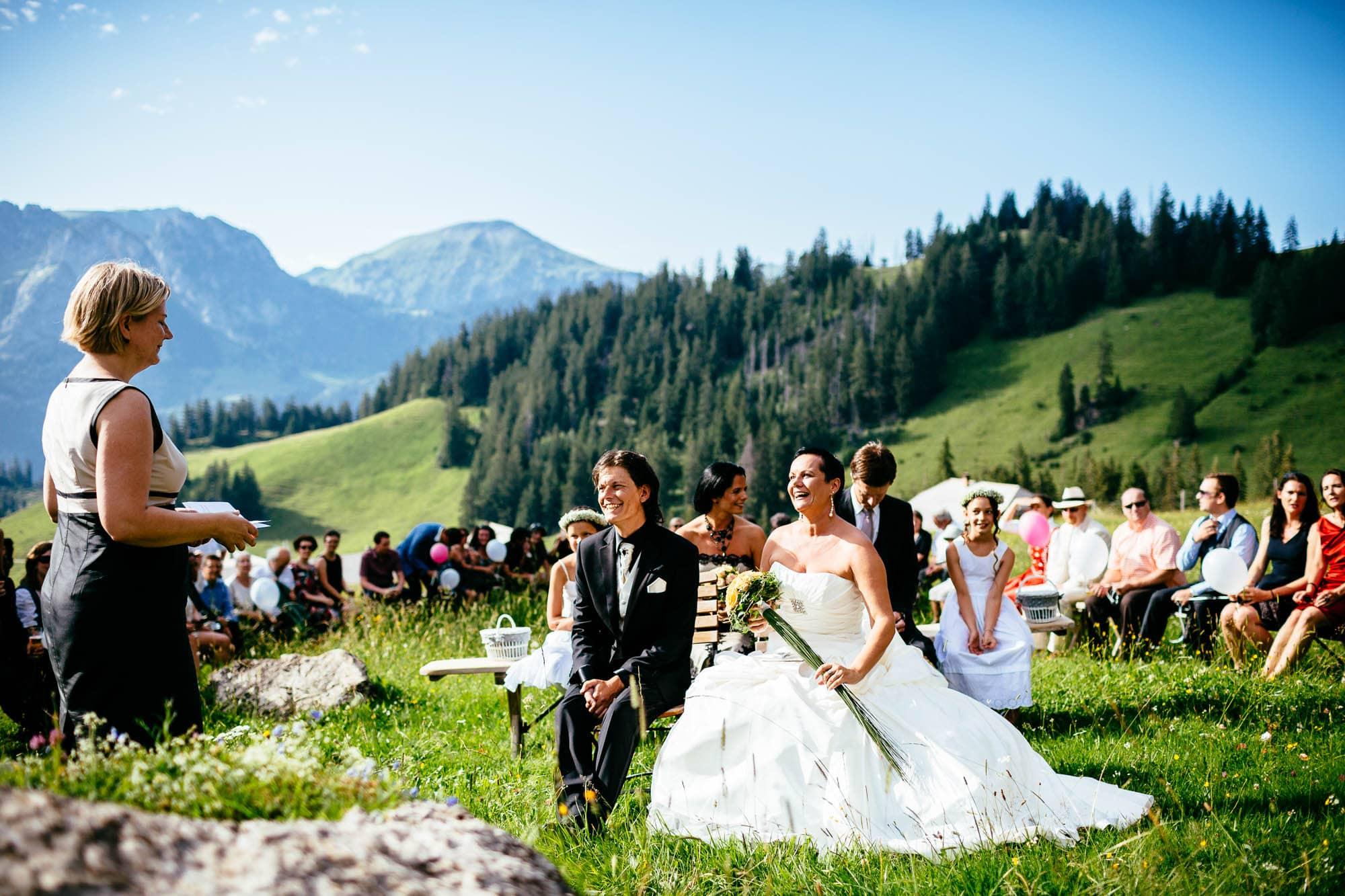 Hochzeitszeremonie auf der Alp