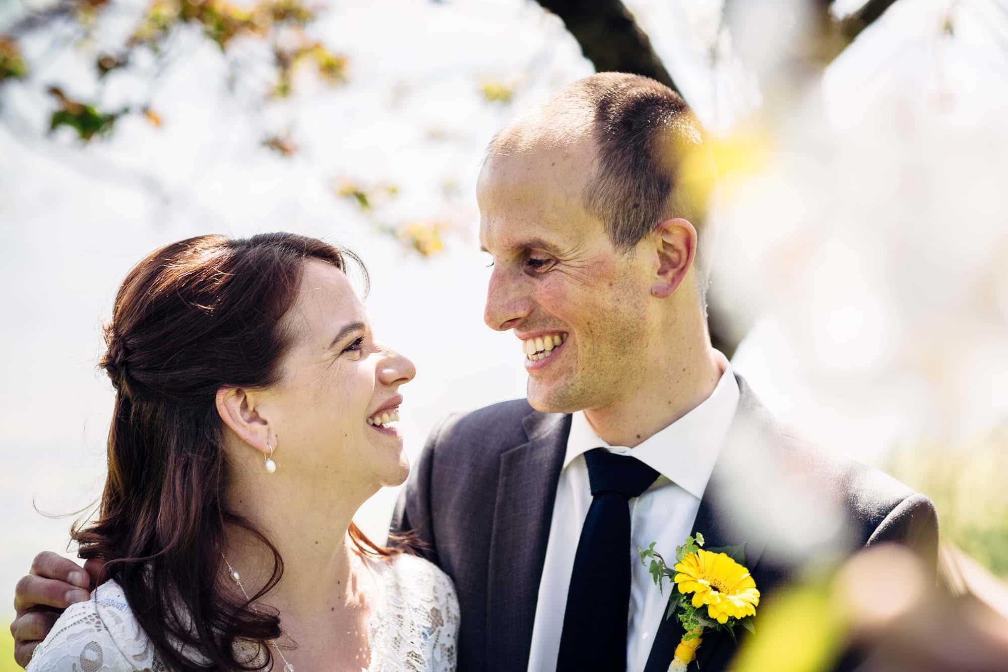 Hochzeitsfoto lachen Moment