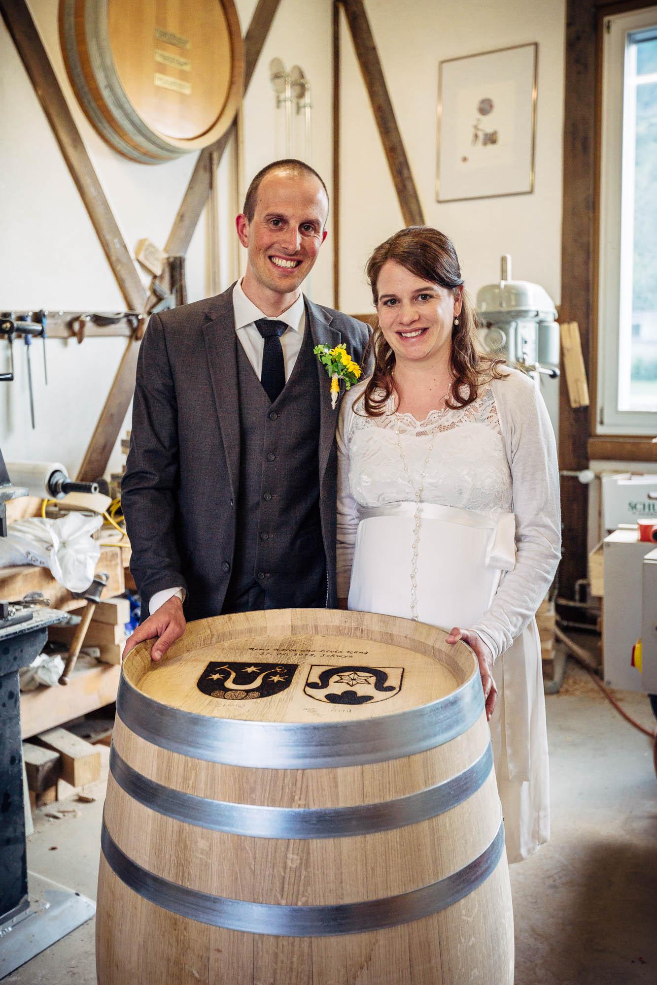 Brautpaar Weinfass