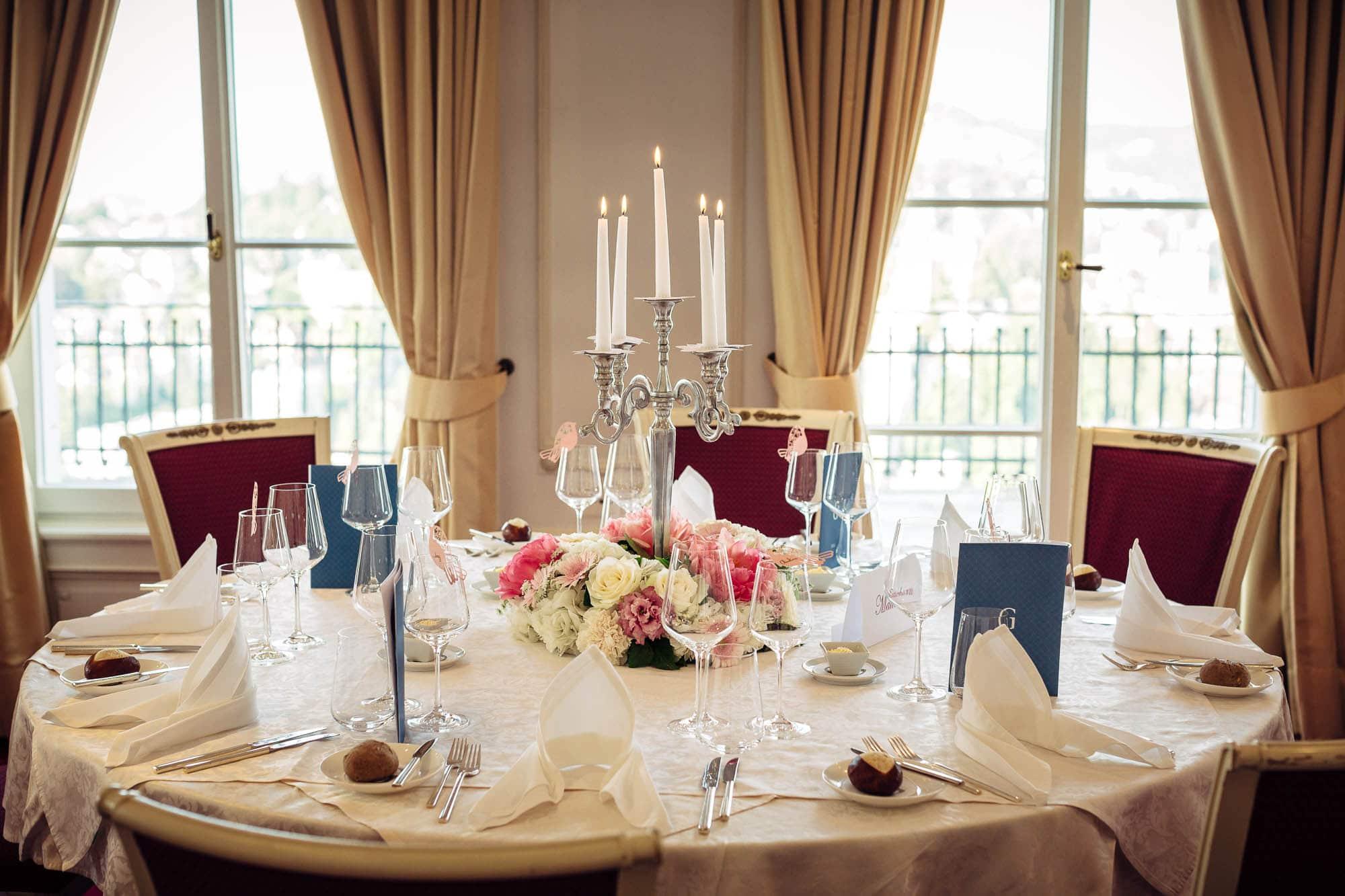 Dekoration Tisch Brautpaar