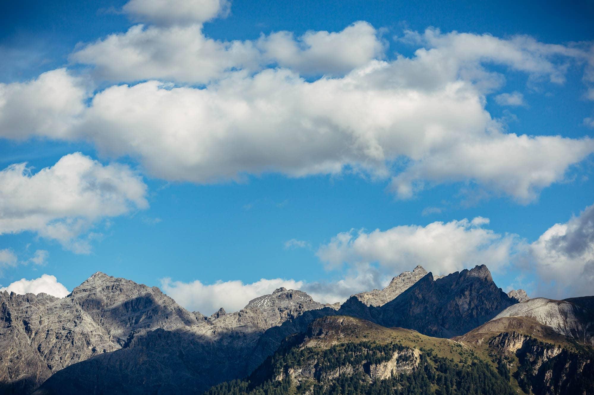 Aussicht Guarda Engadin auf Berge
