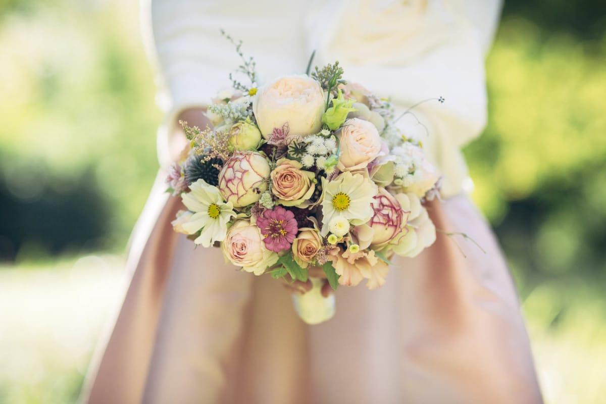 Zarte Farben im Brautstrauss