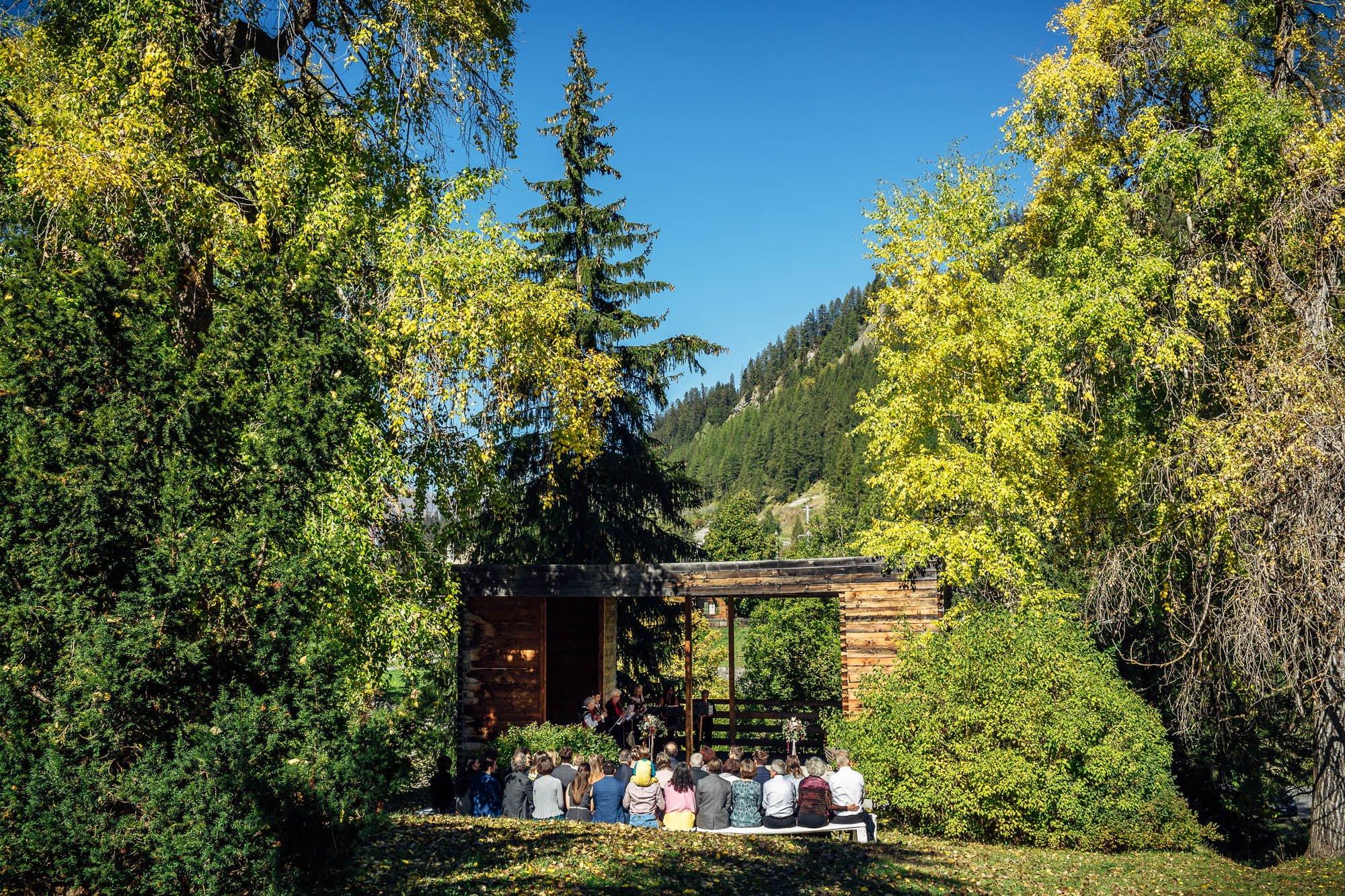 Trauzeremonie im Kurhaus Bergün draussen