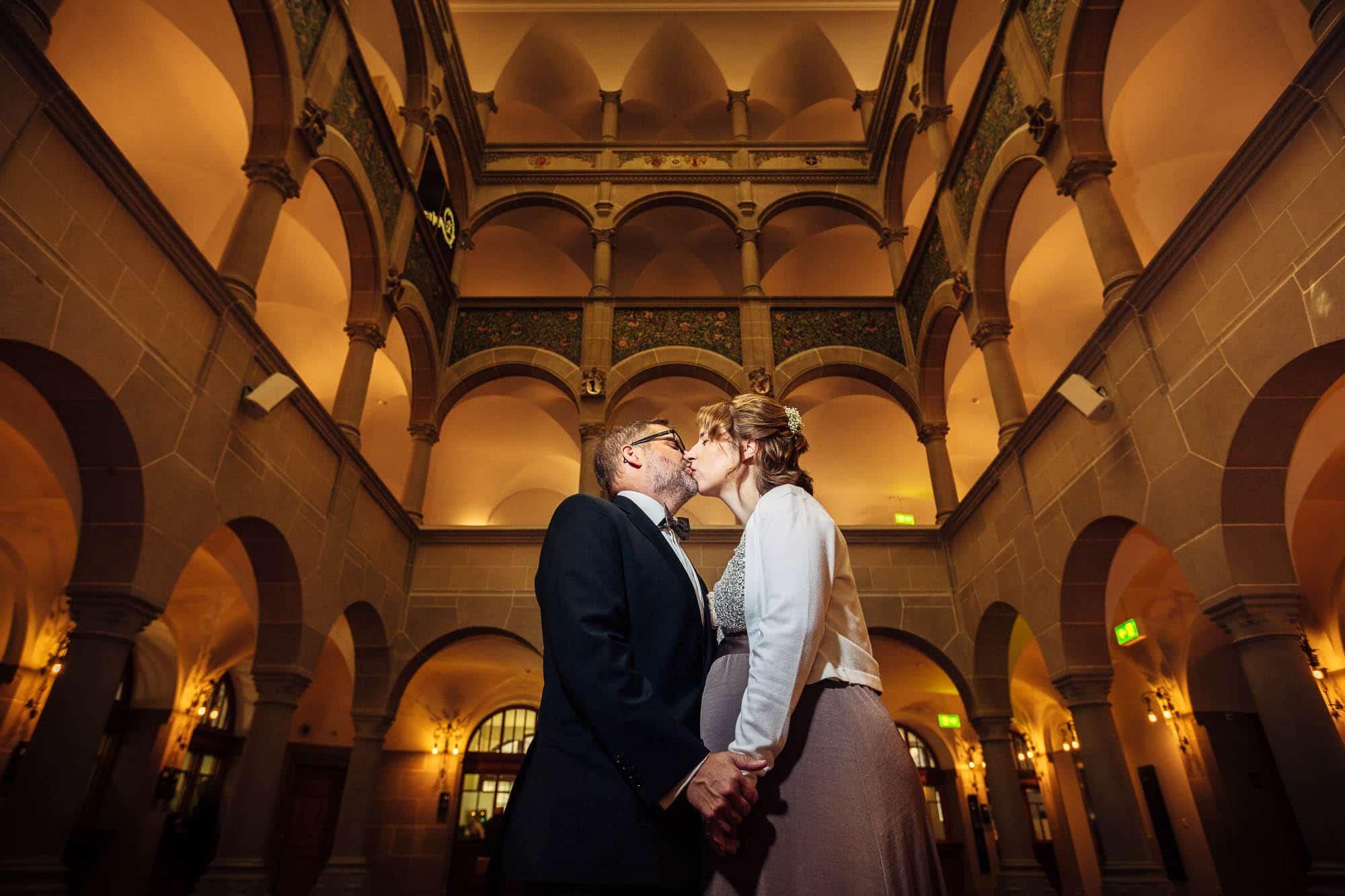 Portrait Brautpaar im Stadthaus Zürich