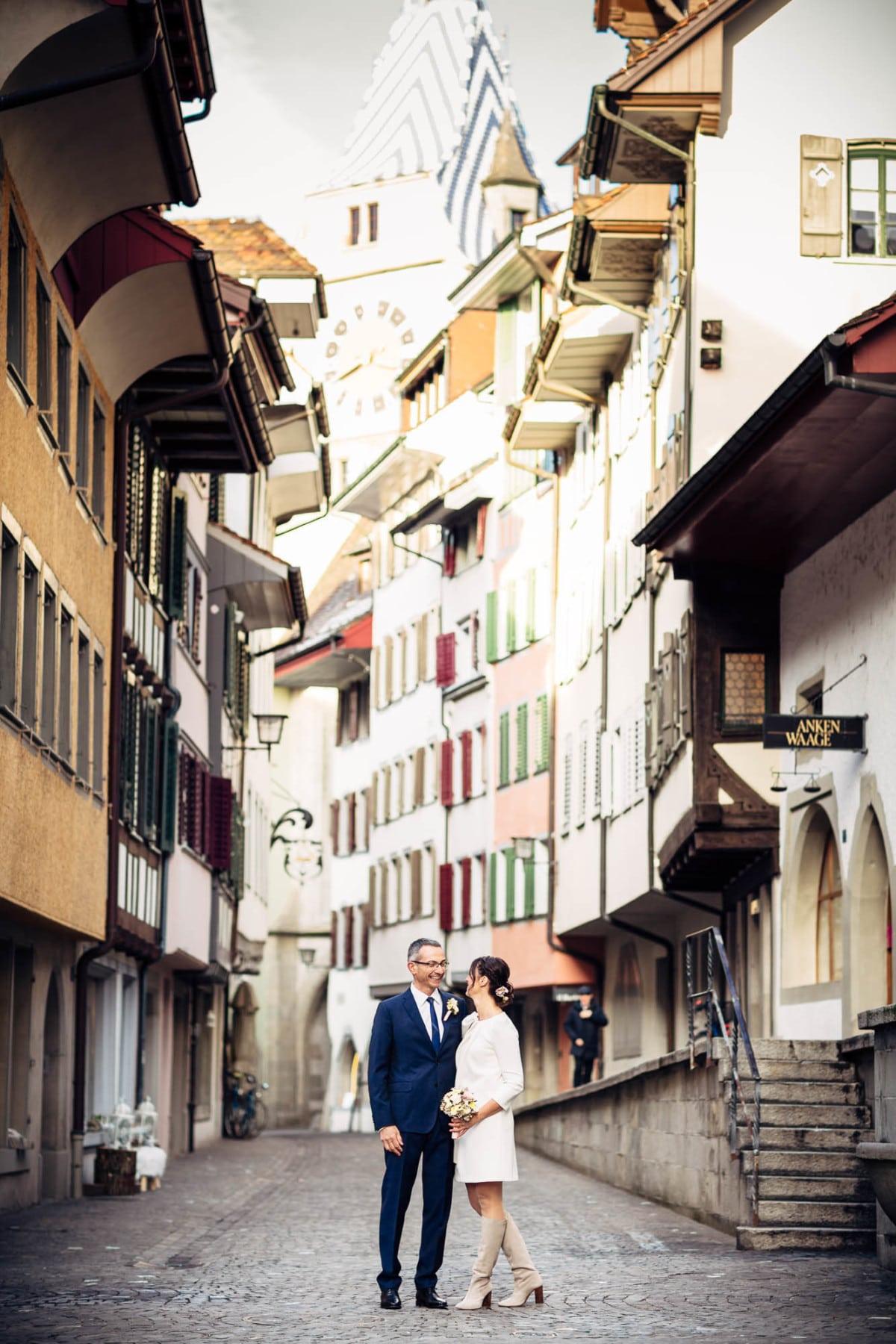 Brautpaar in der Altstadt von Zug