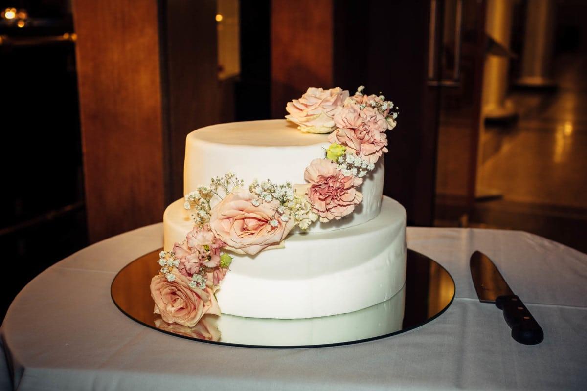 Hochzeitstorte im Waldhaus Flims
