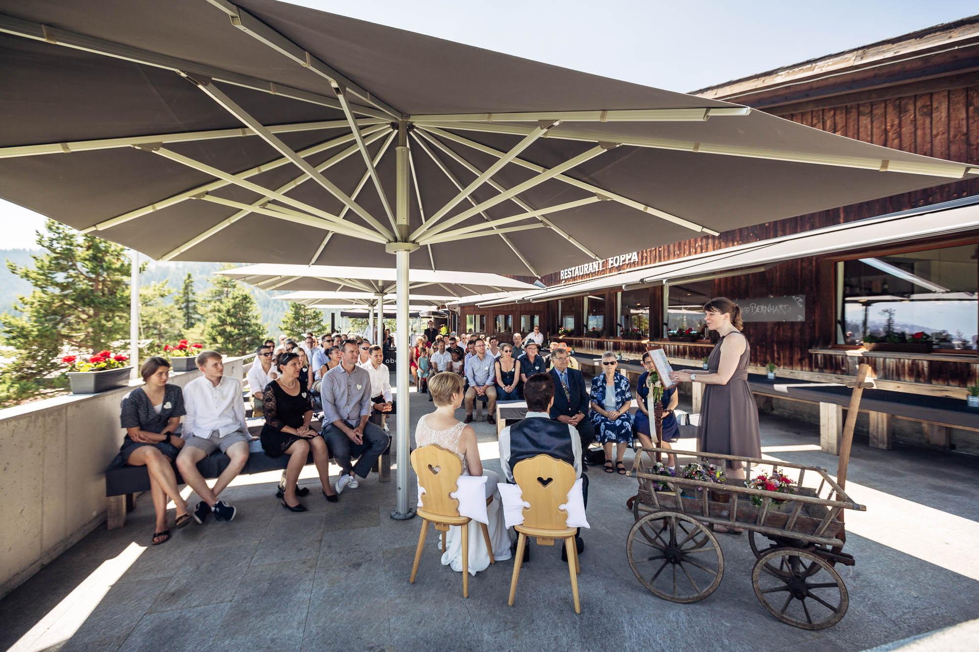 Outdoor Hochzeitsfotos Flims Berghaus Foppa