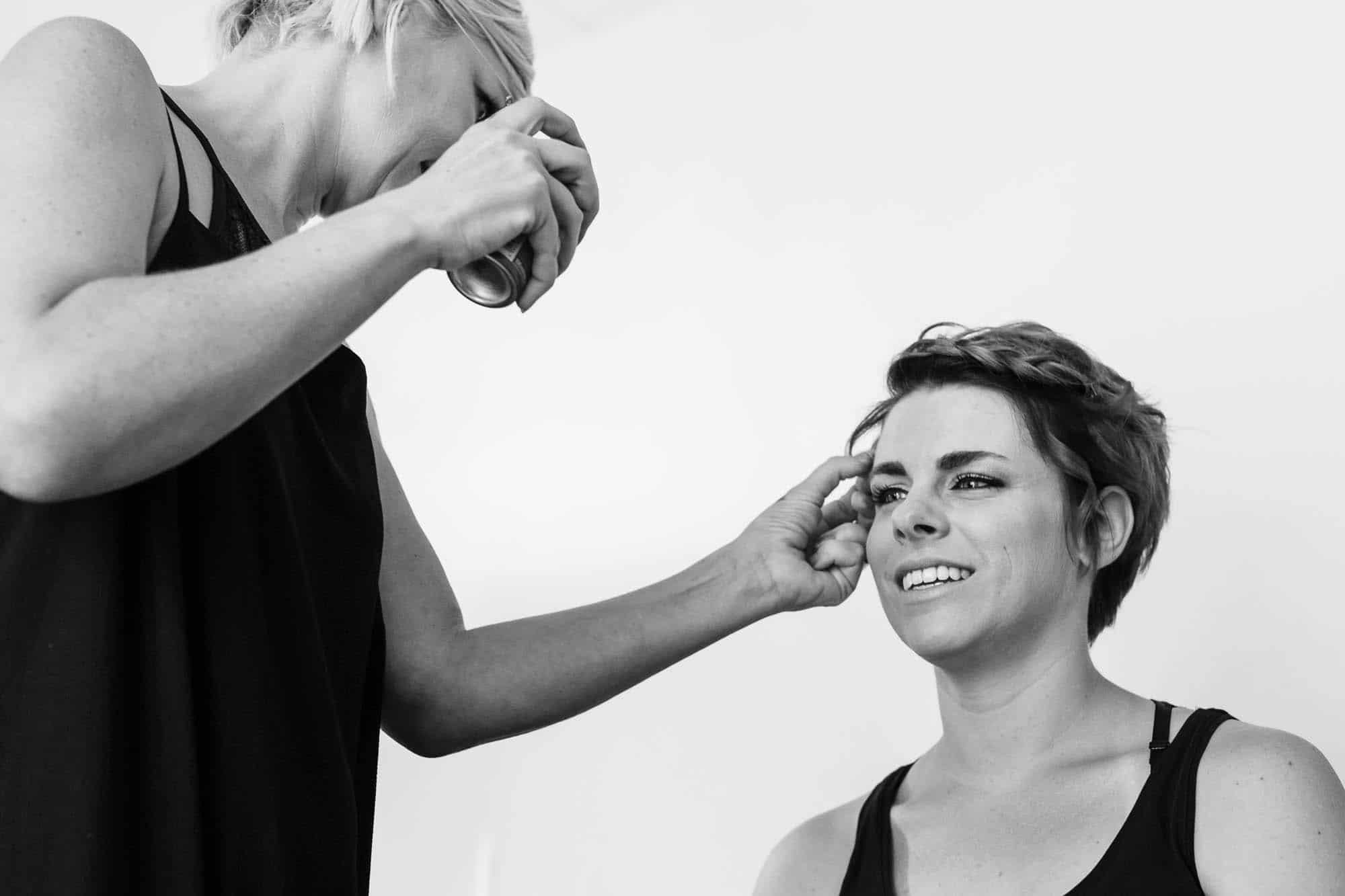 Haarspray bei Braut