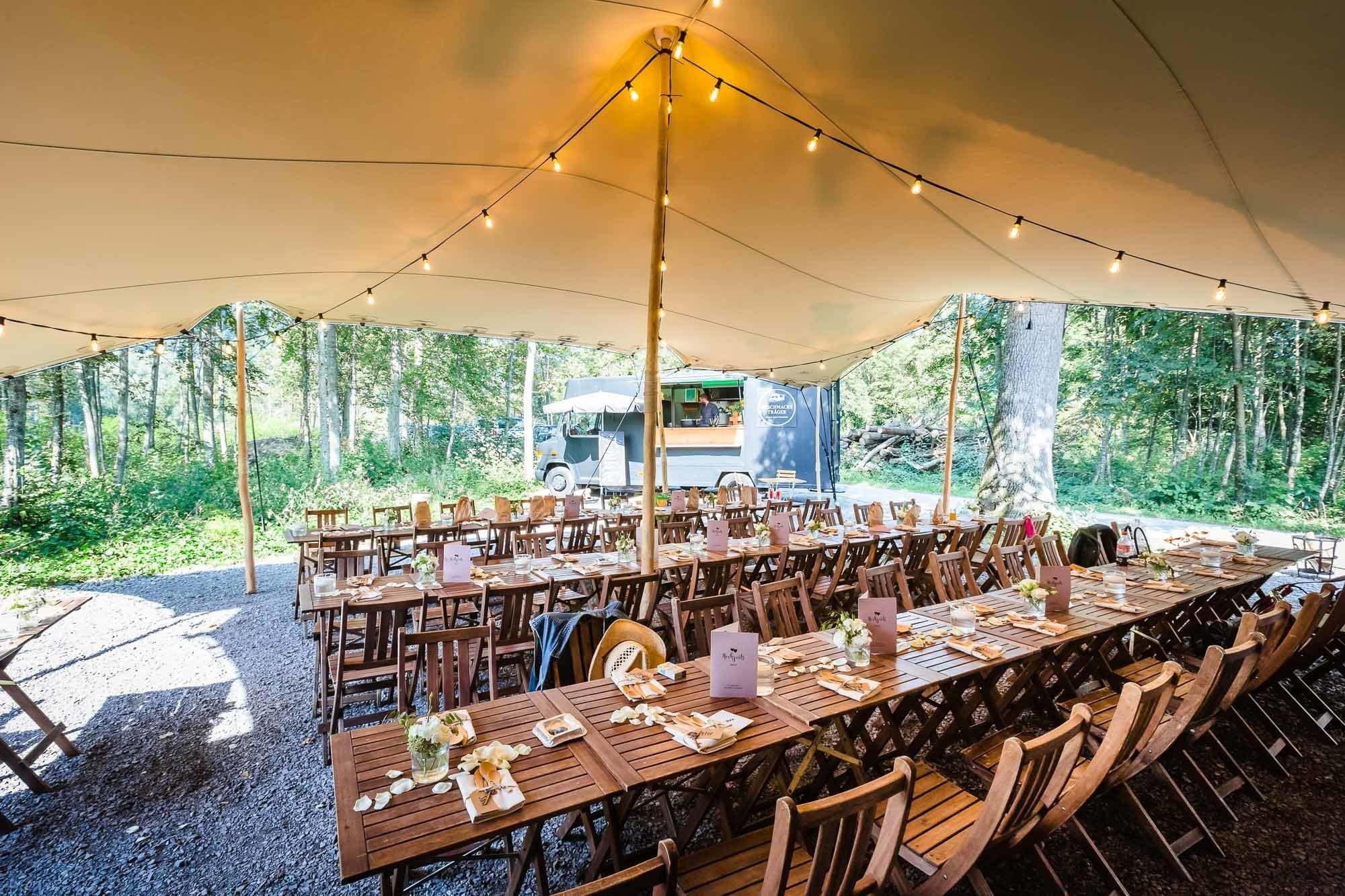 Hochzeitsdeko Wald Hütte Zelt Vintage