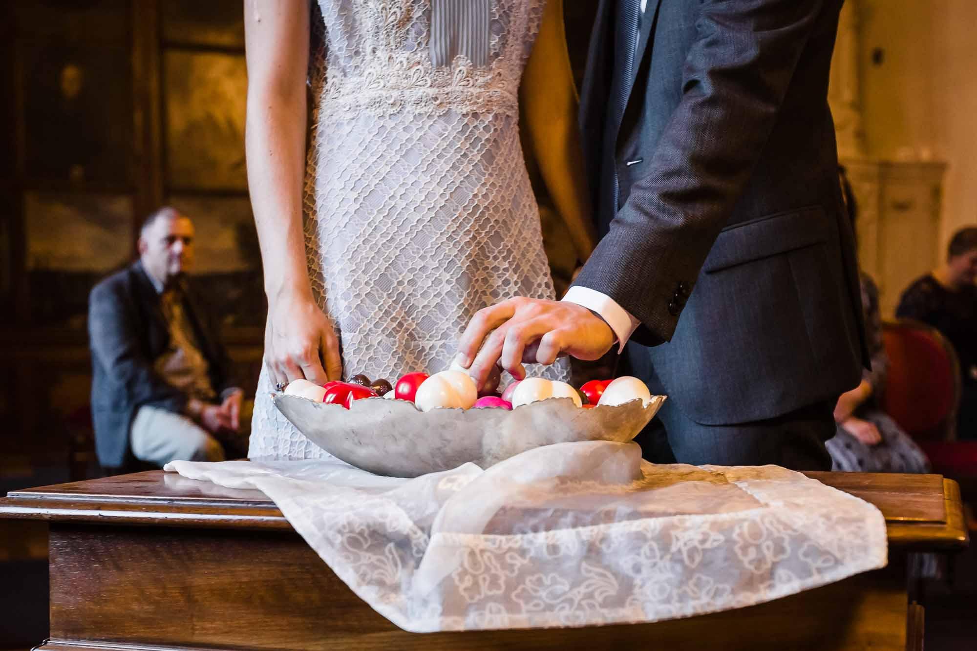 Brautpaar sucht Herz aus