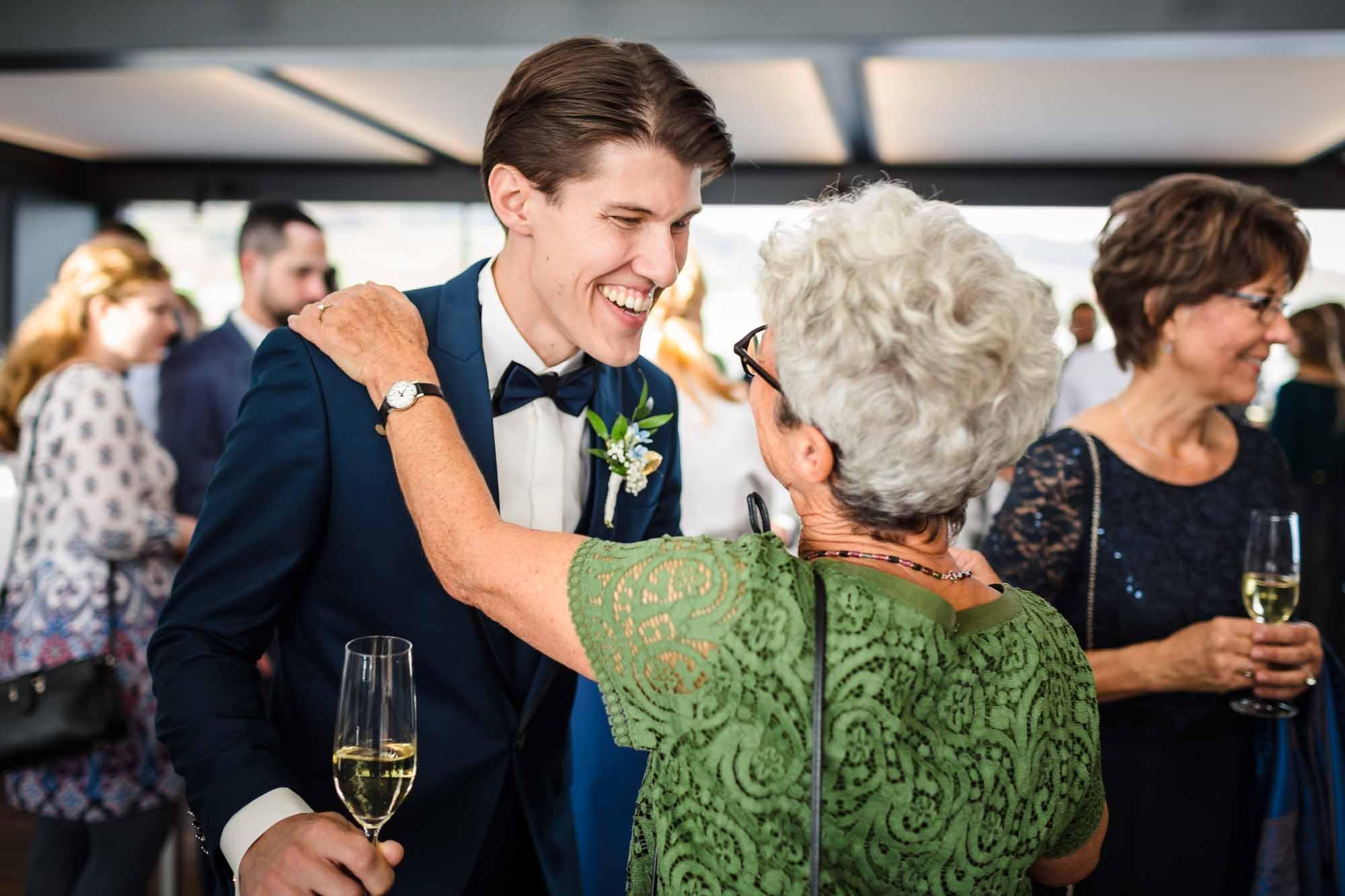 Dem Bräutigam wird gratuliert