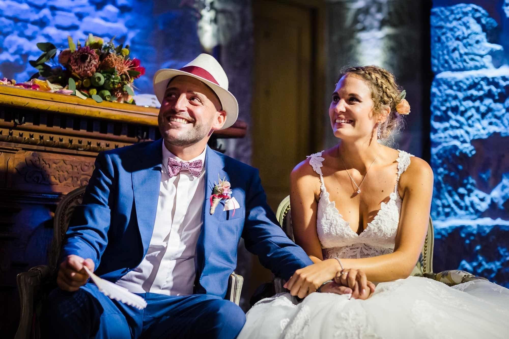 Brautpaar lacht