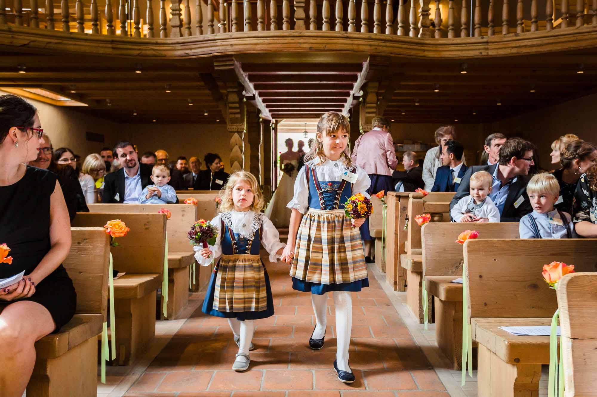 Blumenmädchen Hochzeit Kirche Trub Emmental