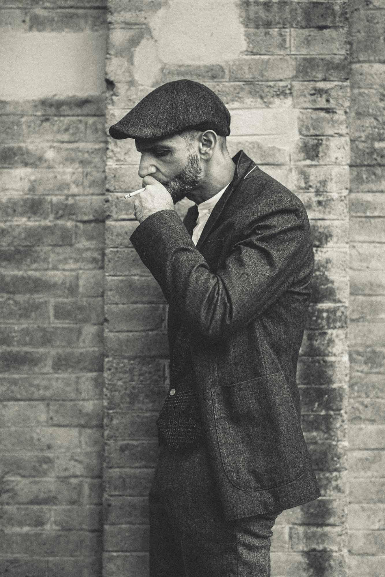 Peaky Blinder raucht